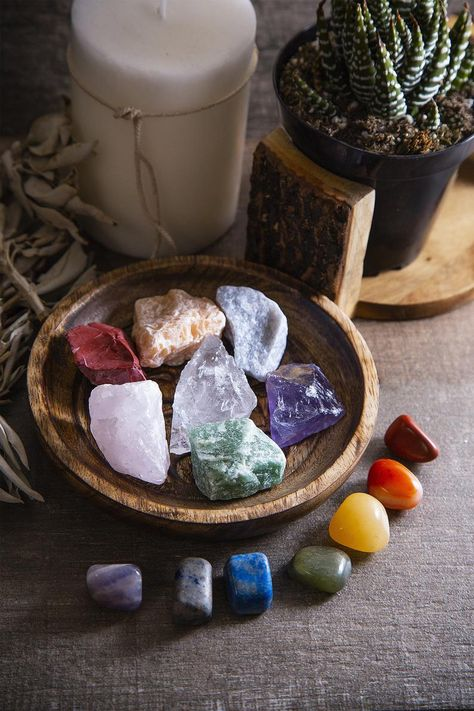 Beverly Oaks Energy Infused Natural Raw Healing Crystals and Tumbled Stones – Chakra Stones For Crystal Healing – The Ultimate Chakra Kit with Huge Variety of Gemstones