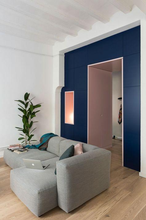 Apartment Complete Rehabilitation in Born, Barcelona 10. costruire un guardaroba in un ingresso troppo ampio