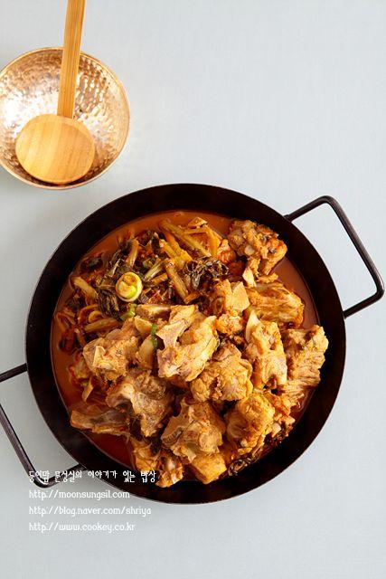 돼지고기는 아직까지도 그나마 저렴한 가격에 푸짐하고 맛있게 먹을 수 있어서 참 고마운 음식입니다 그중 식품 아이디어 반찬 요리