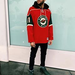 Outfit Of The Week Minnesota Wild Hockey Jersey With A Basic Black Hoodie Underneath Topman Denim Jeans Mid Top Hoodie Fashion Hockey Outfits Hoodie Jersey