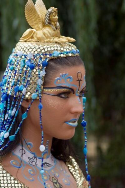 Egyptian make-up with glitter and crystal accents by Janis Möckelmann for the German Bodypainting Festival in Ingelheim. - Egyptian make-up with glitter and crystal accents by Janis Möckelmann for the German Bodypainting Fe