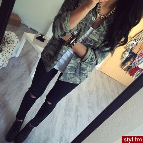 Fall Outfit - Camo jacket