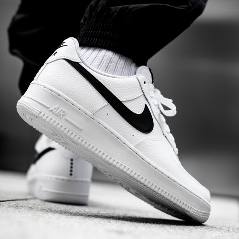 Fresh and clean! Cop a pair of the Nike Air Force One white