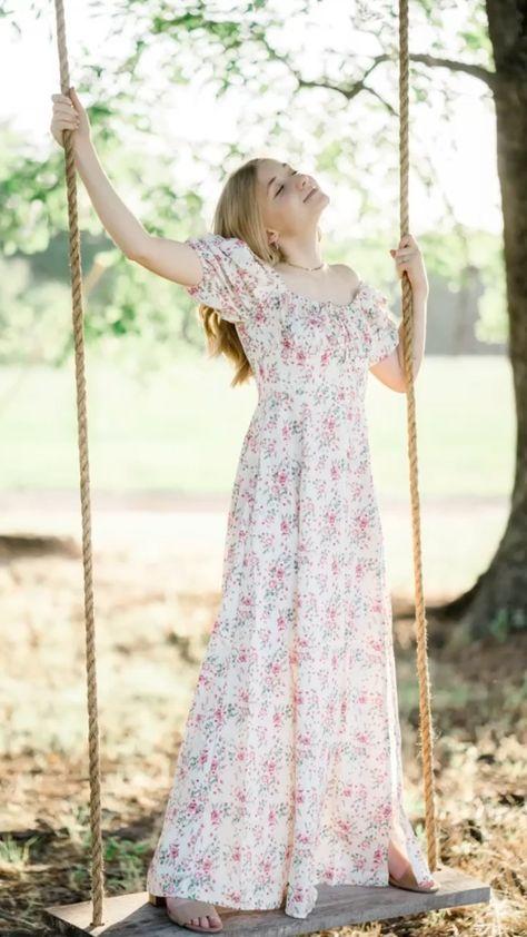arinhayleyphotography on Instagram: Senior session with flower vibes. . . . . . #seniorsofinstagram #sunflowerfield #seniorstyleguide #portraitphotography #seniorportraits…