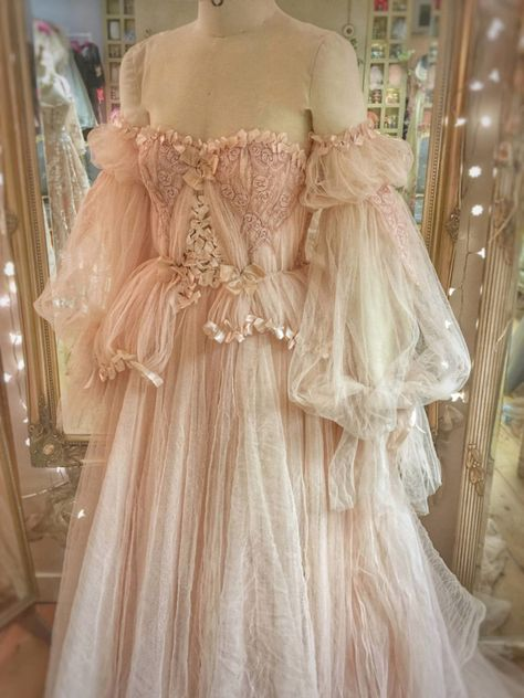 Romantic blush tulle and lace wedding dress with separate sleeves by Joanne Fleming Design dresses blush sleeves Blush Tulle and Lace Wedding Dress with Detachable Sleeves Pretty Outfits, Pretty Dresses, Flower Girl Dresses, Prom Dresses, Mini Dresses, Ball Dresses, Girls Dresses, Elegantes Outfit, Fairy Dress