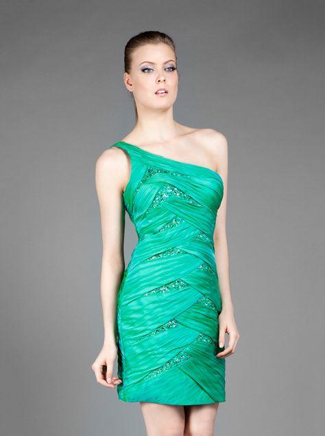 53754ab35159 Pin από το χρήστη Mikael Evening Dresses στον πίνακα Green wedding by Mikael