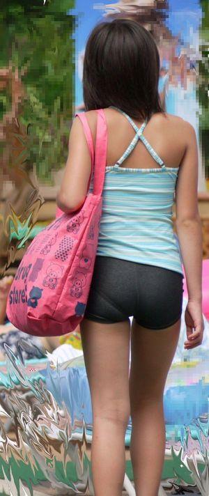 ボード pantalon deportivo escolar のピン