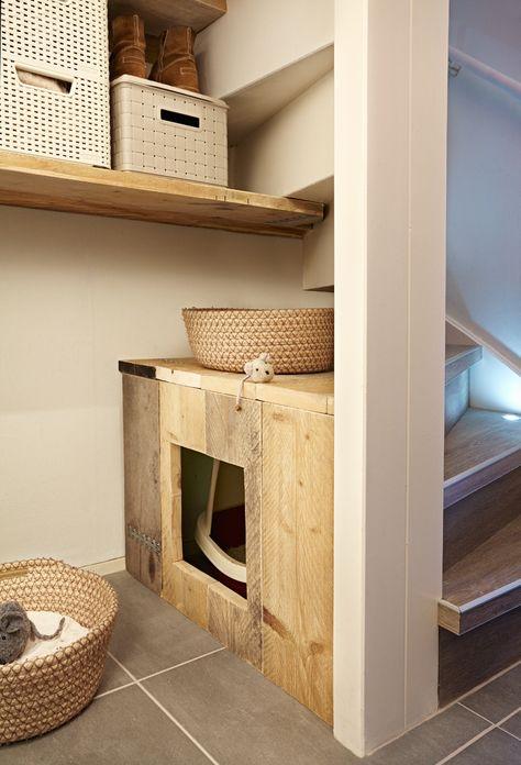 Eigen Huis en Tuin   Praxis. De lege ruimte onder je trap kun je op veel manieren opvullen, maak bijvoorbeeld een speciaal hoekje voor jouw huisdier.