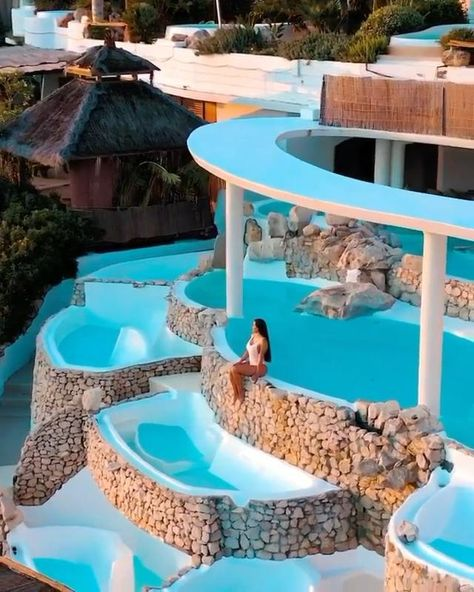 Travel Guide: Dream Vacations #luxuryvacation #dreamvacations #resortvacation #beachdestination #bucketlist #beachtrip #resorts
