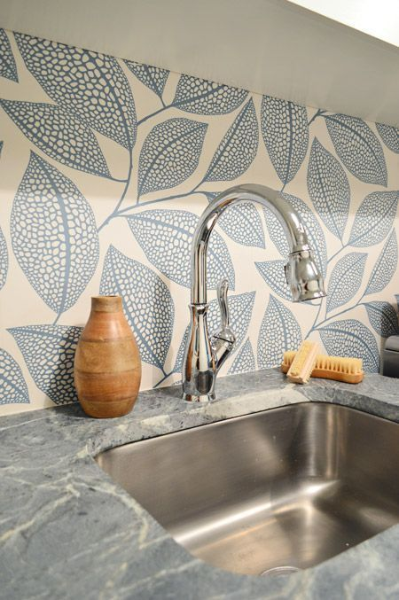 25 Wallpaper Kitchen Backsplashes With Pros And Cons Kitchen Wallpaper Modern Kitchen Wallpaper Wallpaper Backsplash Kitchen