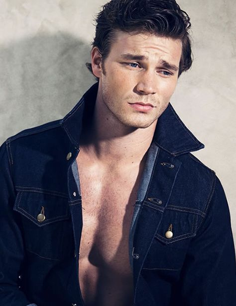 Check out this heartbreaker of a face on, apparently, Derek Theler.