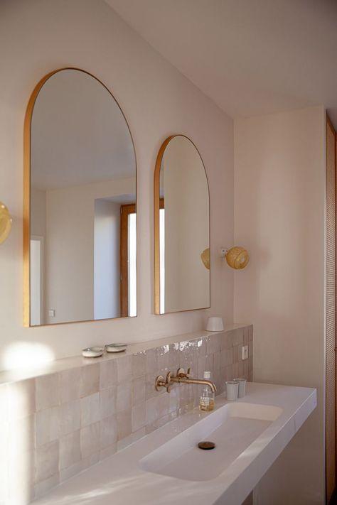 Casa Santa Teresa is a Corsican holiday home with unspoilt ocean views