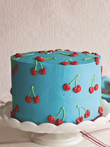 "Cake design 12 ideas for decorating hyper-creative cakes The anglicism "" cake design "" refers to a culinary art practice that can be described as a hyper-creative cake decoration. In fact, some pies are so o. Pretty Birthday Cakes, Pretty Cakes, Cute Cakes, Sweet Cakes, Macaron Le Glouton, Mini Cakes, Cupcake Cakes, Cupcake Cake Designs, Surprise Inside Cake"