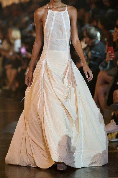 Off White Spring 2020 Ready To Wear Fashion Show