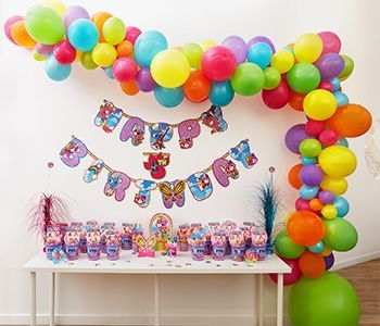 Video Build A Spooky Cute Balloon Garland In 2020 Balloon Garland Balloons Online Party Balloons