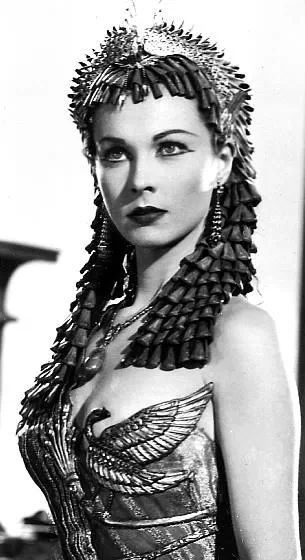 Vivien Leigh - Caesar and Cleopatra (1945) - #SilverScreenSerendipity The Golden Age of Film