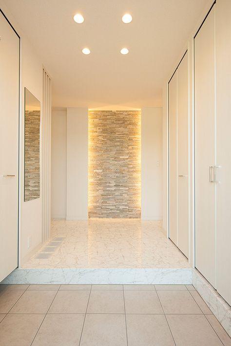 光の恵みに満ちた住まい 建築実例 セキスイハイム ハイム 玄関 モダン 玄関ホール インテリア