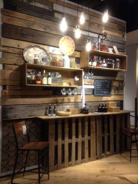 Small Bar And Focal Wall Made From Pallets | Pallet Projects
