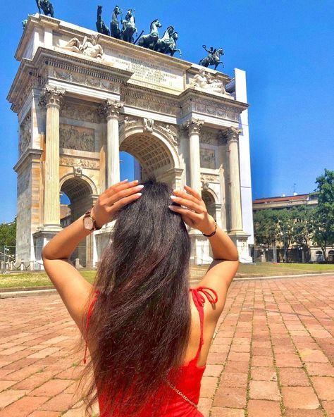 "• S A B R I N A • on Instagram: ""Buongiorno Milano 💚🤍❤️ . . . #saturday #weekend #milano #italy #picoftheday #mood #instagood #tagsforlike #like4like #follow…"""