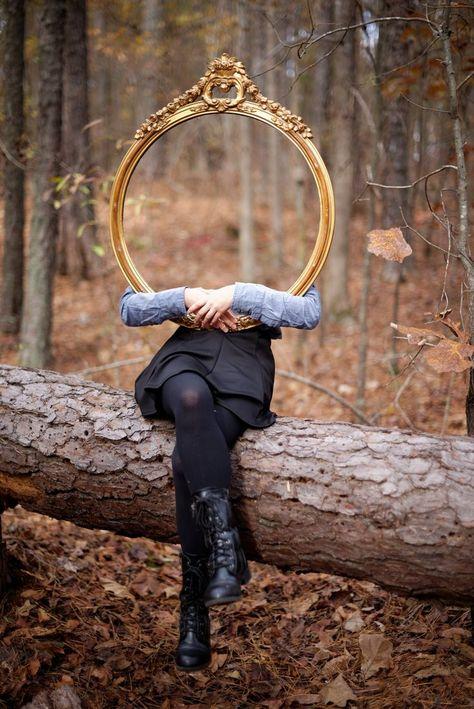 The World Needs More Self Love - Fotos - Fotografia Illusion Photography, Mirror Photography, Reflection Photography, Photography Projects, Creative Photography, Portrait Photography, Digital Photography, Photography Classes, Photography Camera