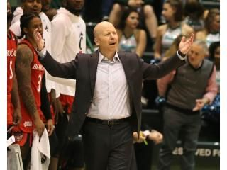 Mick Cronin Is A Great Guy And Coach Love How He Is Throwing Up His Arms In Apparent Desperation At College Basketball American Athletic Conference Basketball