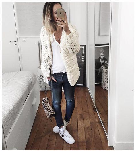 "Audrey op Instagram: ""Body, Débardeur Damart, Gilet Cachemire, Gilet grosse…"