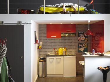 Aménager cuisine studio sous chambre en mezzanine | Petite cuisine ...