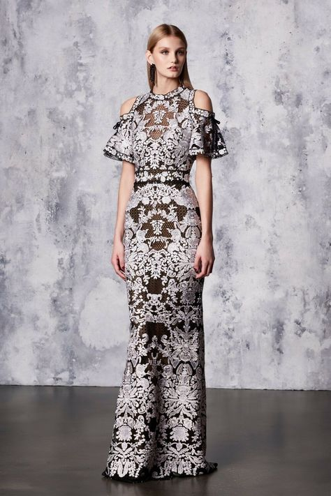 The complete Marchesa Notte Resort 2018 fashion show now on Vogue Runway.
