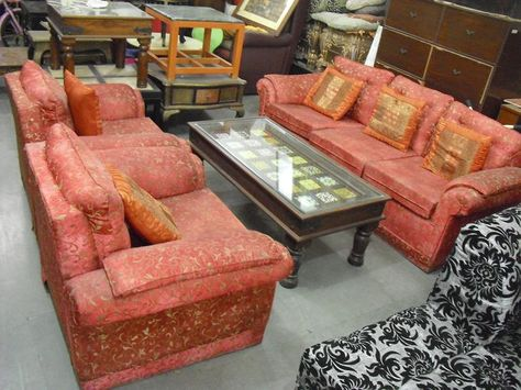 5 Seater Fabric Sofa 1 Features 5 Seater Sofa In Good Condition Comfortable 3 1 1 Seater Durable 5 Seater Sofa Second Hand Sofas Sofa