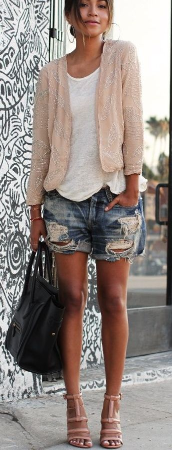 How to dress up casual outfit? Add a sequin jacket to your simple white tee and ripped jeans shorts to get more polished look.