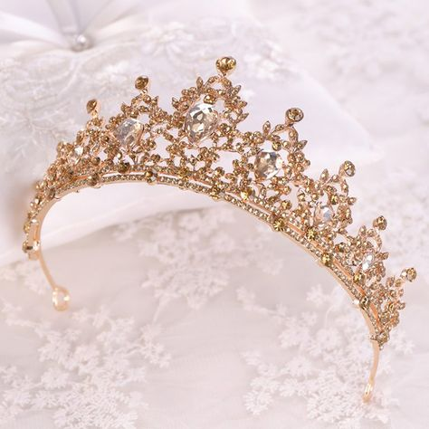 Buy Gold Crystal Quinceañera Tiara and other quinceanera products on Mi Padrino for quinceaneras, tres años, weddings, baby showers, and other events in the Hispanic community. Crown Aesthetic, Rose Gold Aesthetic, Princess Aesthetic, Belle Aesthetic, Quinceanera Tiaras, Quinceanera Decorations, Quinceanera Hairstyles, Quince Decorations, Royal Crowns