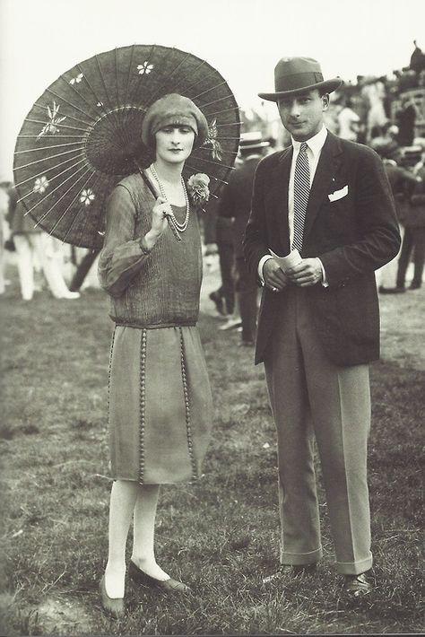 Jeune couple élégant aux courses, août 1926.