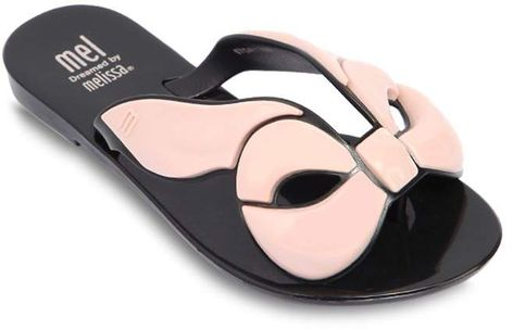 190cbcd47f12 Scented Rubber Bow Flip Flops  straps Contrasting rubber