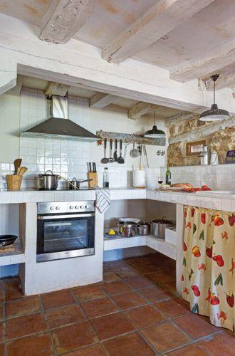 En la casa rehabilitada en Villaseca,la cocina se ha hecho toda en