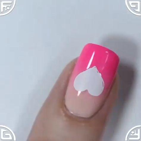 Romantic nail design 😍😘