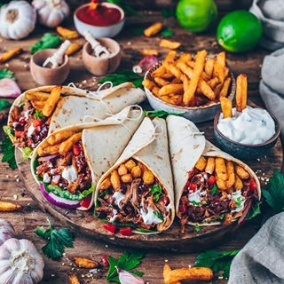 Garlic Mushroom and Spinach Pizza (vegan) - Bianca Zapatka | Foodblog