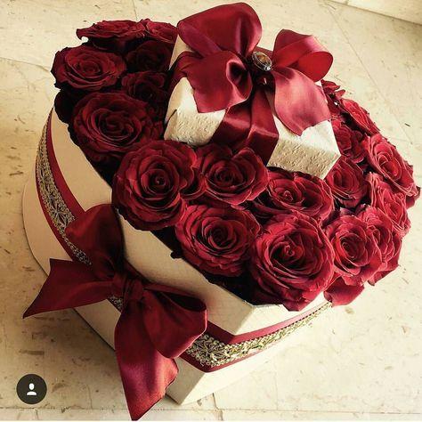 ورد احمر Modern Flower Arrangements Flower Images Luxury Flowers