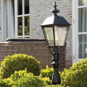 Tuinverlichting Is Sfeerverhogend Tijdens De Heerlijke Zomeravonden Tuinverlichting Buitenverlichting Tuin Lantaarns