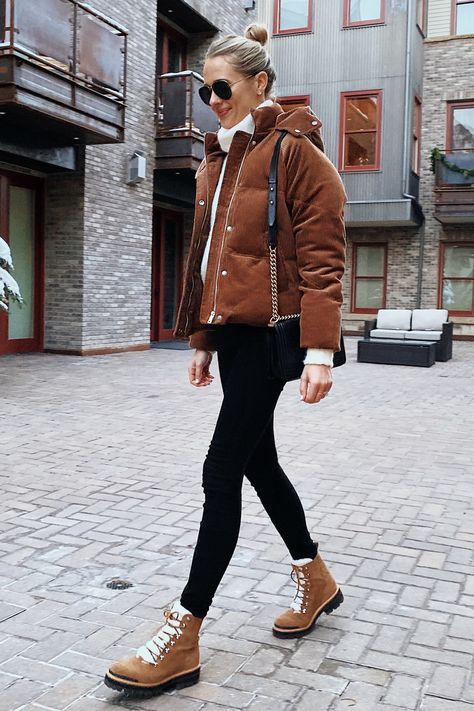 Fashion Jackson Wearing Brown Puffer Jacket Winter Boots Ski Trip Outfit Source by fashion_jackson outfits winter Casual Winter Outfits, Winter Mode Outfits, Winter Fashion Outfits, Cool Outfits, Brown Boots Outfit Winter, Bubble Jacket Outfit Winter, Casual Winter Style, Shoes For Winter, Clothes For Winter