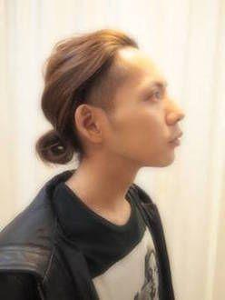 メンズのロング ミディアムの髪型 伸ばし方 結び方 セットなどの
