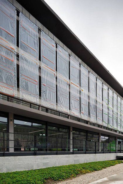 Algae Curtain Cladding Turns Polluted Air Into Fresh Oxygen With