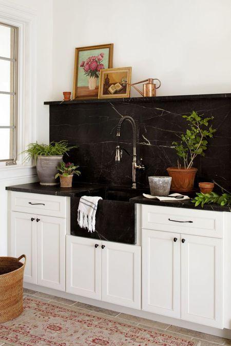 Combine Backsplash With Marble Apron Front Sink The Backsplash
