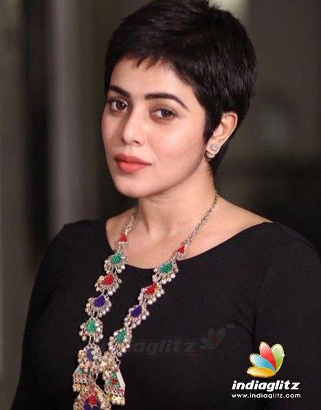 Poorna Beautiful Tamil Actress Photos Bollywood Actress