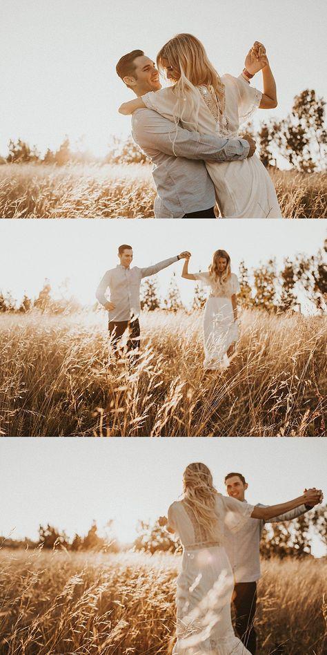 Engagement Photo Poses, Engagement Couple, Engagement Pictures, Engagement Photography, Fall Engagement Pics, Foto Casual, Shooting Photo, Couple Photography Poses, Pre Wedding Photoshoot