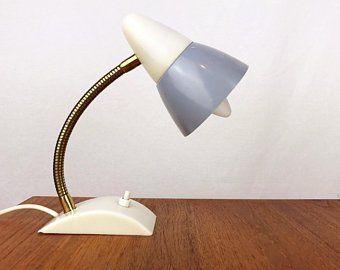 Tischlampe Aus Den 50er Jahren Mit Hohenverstellbarem Schwanenhals Und Lampenschirm Aus Metall In Einem Schonen Graublau Grosse D Lamp Table Lamp Desk Lamp