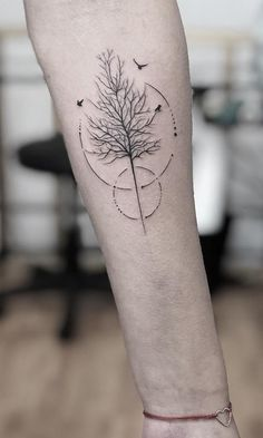 minimalist tree tattoo with geometric touches © tattoo artist @efer_bp | Törőcsik Art Studio 💟💟💟💟💟💟