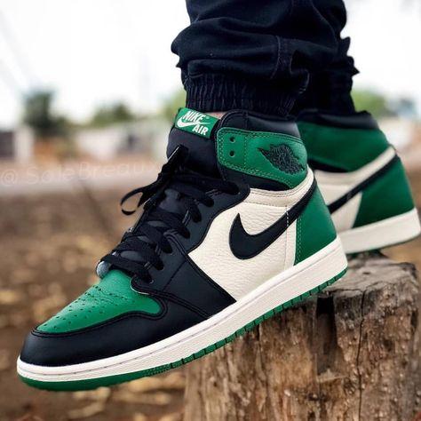 On Foot Look At The Air Jordan 1 Retro High Og Pine Green Cop Or Drop Thesneakerbuzz Air Jordan Sneakers Air Jordans Vans Shoes High Tops