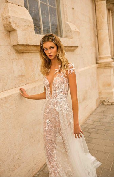 Muse 2020 Tlv Berta Evelyn With Images Beach Wedding Dress