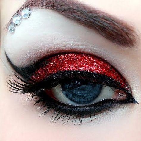 Harley Quinn Augen Make-up … Harley Quinn Eye Make-up More - Schönheit von Make Red Eye Makeup, Glitter Eye Makeup, Hair Makeup, Red Eyeshadow, Red And Black Eye Makeup, Snow White Makeup, Beauty Makeup, Punk Makeup, Colorful Eyeshadow