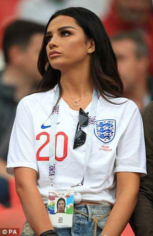 Dele Alli S Girlfriend Ruby Mae Brings Some Wag Glamour Hot Football Fans Football Girls Soccer Girl